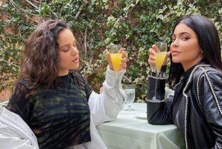 Lo que Rosalía y Kylie Jenner se traen entre manos: ¡repasamos las pruebas!