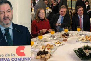 """El director de ABC le lee la cartilla al PP en su cara: """"La derecha ha maltratado a los medios afines"""""""