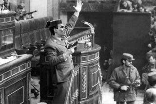 Las redes no compran las bromitas de Sánchez con el Rey y ejecutan su venganza por el Golpe perpetrado por el socialista