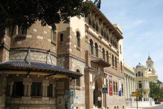 La Universidad de Málaga entrega un crédito a cambio de 'engullirse' un seminario de economía comunista