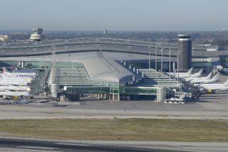 Pedro Sánchez manda a AENA que prepare el traspaso del Aeropuerto del Prat a la Generalitat, como regalo a los independentistas