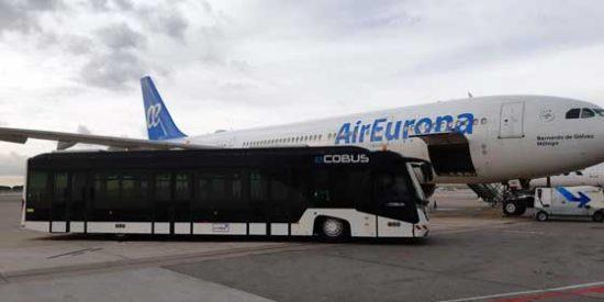 Barcelona: Comienza a operar el primer autobús eléctrico en el aeropuerto El Prat