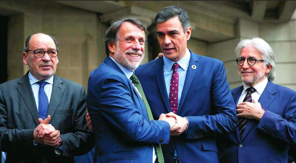 El dueño de Planeta, a los arrumacos con Sánchez: Crehueras pone laSexta y La Razón a su servicio a cambio de que no toque la reforma laboral