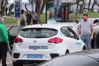 La esperpéntica 'pelea' de tráfico que arrasa Youtube: un taxista y un paisano en Santander