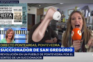 Esperpento: la reportera que le pide dinero a un señor para que a Susanna Griso le toque un Satisfyer