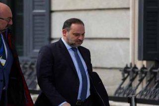 El guardaespaldas de Ábalos recibe 'el pago' de su apoyo incondicional: el ministerio de Transportes enchufa a su mujer