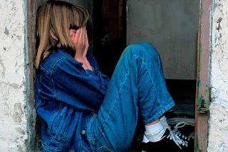 La madre cobraba a sus amigotes y les dejaba que violaran a su hija de 9 años
