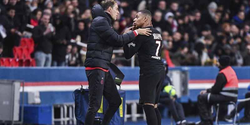 La extraña explicación del entrenador del PSG por su pelea con Mbappé en el campo