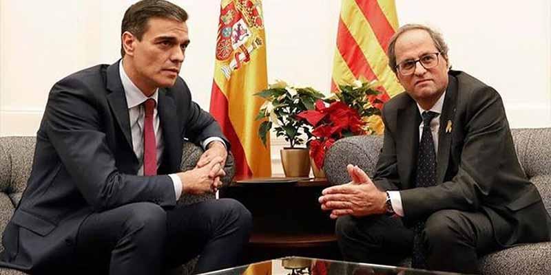 Pedro Sánchez, a cambio de los Presupuestos, legitima el 'proceso virus golpista' con la foto de la vergüenza