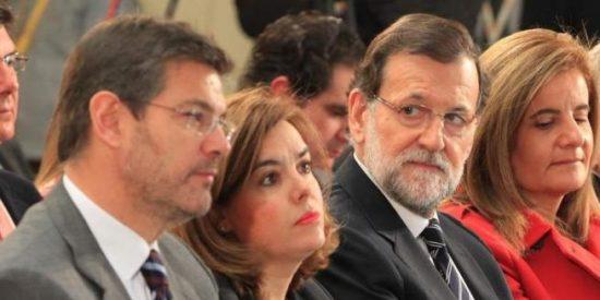 Rajoy triunfa después de 'muerto': el FMI concluye que la reforma laboral del PP mejoró el empleo y no afectó a la pobreza y la igualdad