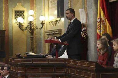 Felipe VI habla claro a unas Cortes divididas incluso en el respeto a su propia figura