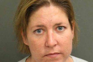 Invitó a su novio a jugar al escondite, lo encerró en una maleta y ahora está acusada por asesinato