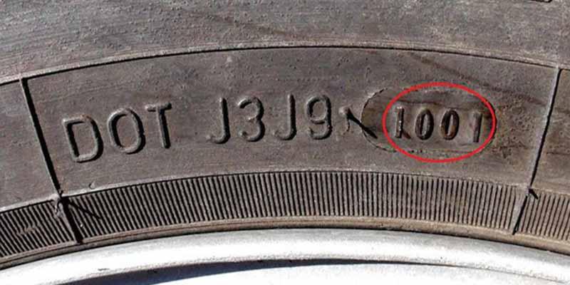 Neumáticos: el secreto de la Guardia Civil para que no te estafen y te cuelen unos viejos
