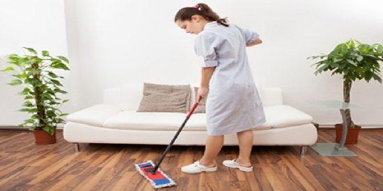 ¿Sabes cuánto le tienes que pagar a tu empleada del hogar tras la subida del salario mínimo?