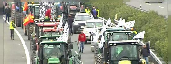 Tractorada en Valladolid para exigir al Gobierno soluciones en el campo