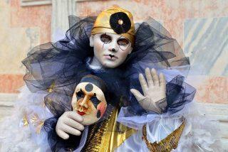 Venecia: el coronavirus y la 'acqua alta' ahuyentan a los turistas y deslucen el Carnaval
