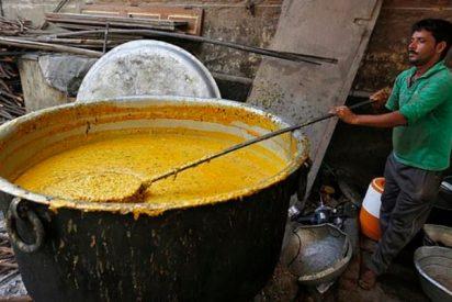 Muere cocida una niña de tres años al caer a una olla de curry en un comedor escolar