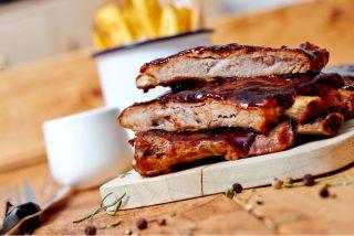Receta: Costillas al horno con salsa barbacoa