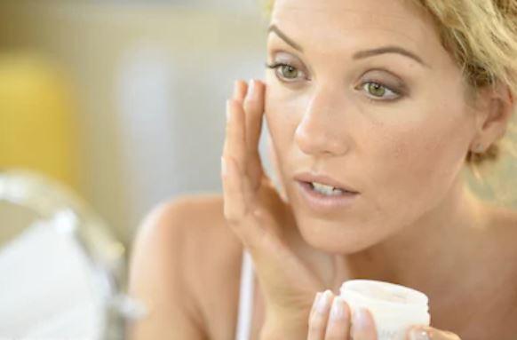 Como cuidar la piel a partir de los 40 años hidratar