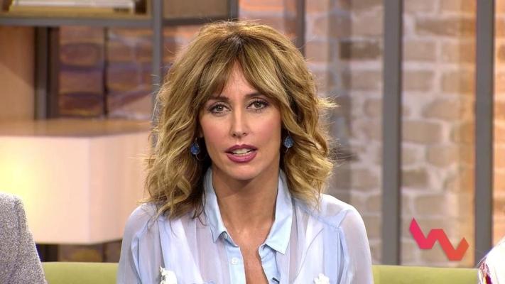 """¿Qué hace Emma García subida a un tanque en Bosnia """"corriendo riesgo""""?"""