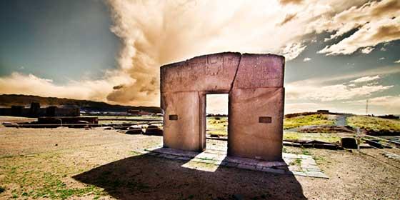 Bolivia/ Puerta del Sol de Tiahuanaco: ¿Fue un portal interestelar? (1)