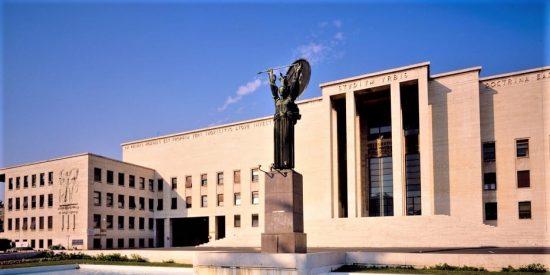 Una universidad italiana da 'cátedra' a la Complutense y Universidad de Oviedo sobre cómo evitar el blanqueo al chavismo