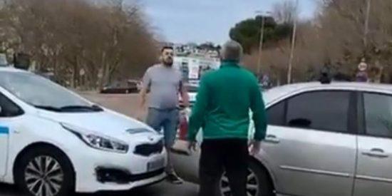 Esperpéntica 'pelea' de tráfico: taxista contra paisano en Santander