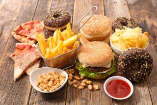 Los 10 alimentos que más engordan y que te harán ganar hasta 4 kilos