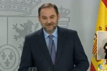 Ábalos sigue riéndose de los españoles: ahora presume de haber estado en una mascletá el 8-M