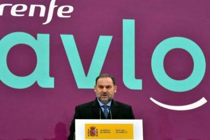 El coronavirus hace descarrilar el 'juguete' de Ábalos: Renfe pospone la inauguración del AVLO, su AVE low cost