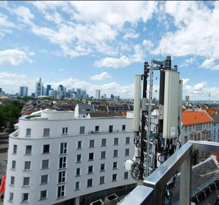 """Carlos Alvarez Berlana: """"Eslovenia y Suiza se suman a las dudas sobre la seguridad de la 5G"""""""