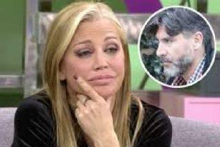 Toño Sanchís huye como alma en pena de la que ha sido su casa al ver llegar a la Guardia Civil y a Belén Esteban