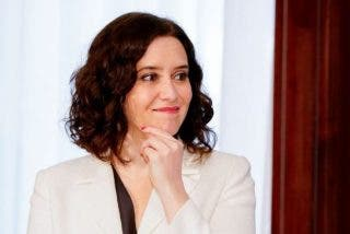 Isabel Díaz Ayuso lanza 'Coronamadrid', la aplicación que los madrileños aplauden: