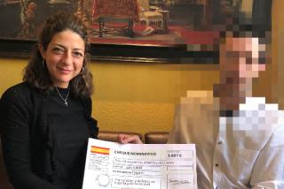 Una ciudadana recauda 3.700 euros para ayudar al vigilante de seguridad suspendido de empleo y sueldo por el 'Delcygate'