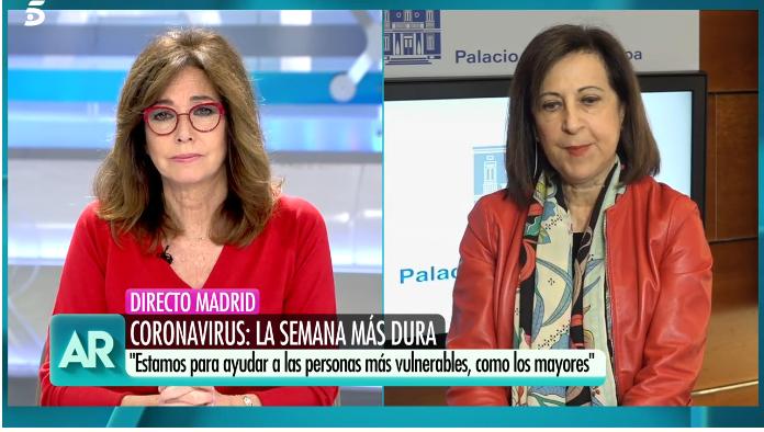 """Margarita Robles tilda de """"ignorantes"""" a Pedro Sánchez, Podemos y Ada Colau en el 'Programa de Ana Rosa'"""
