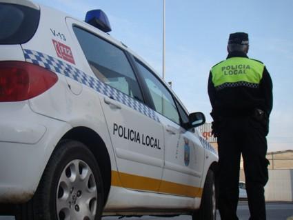 Cádiz: un hombre le tose en la cara a un Policía para contagiarle de coronavirus