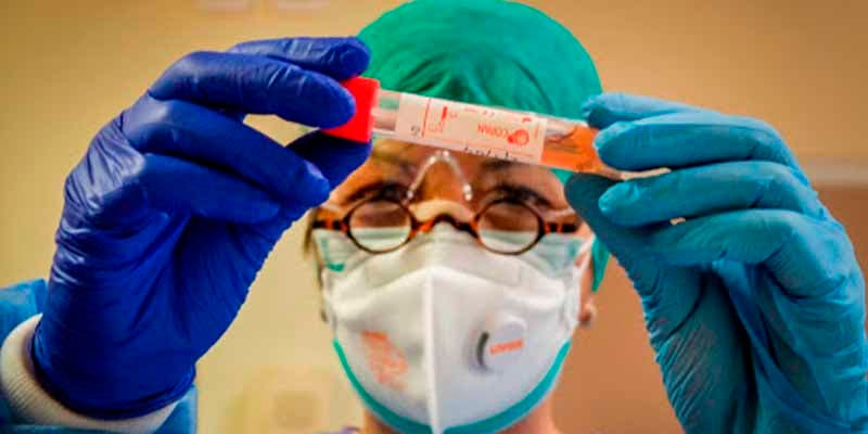 """Un estudio desvela un efecto inadvertido del coronavirus: """"ataca las hormonas sexuales masculinas"""""""