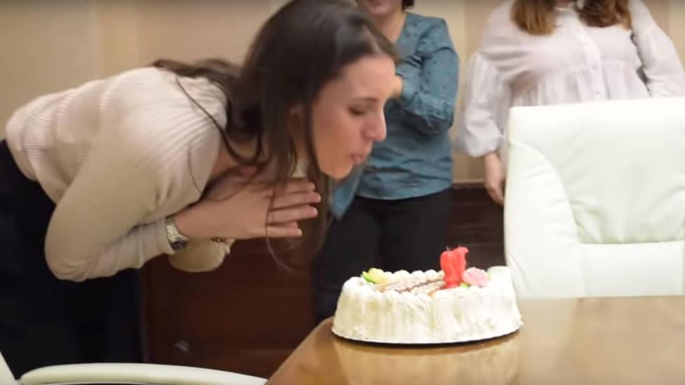 Chiste: el de 'la banda de la tarta' en el Ministerio de Igualdad
