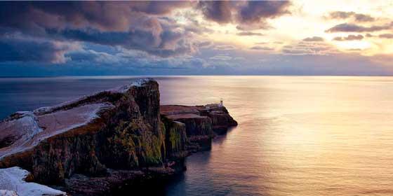 Escocia: Descubre playas, cuevas y lagos remotos del país