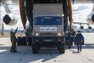 """Rusia usa la ayuda sanitaria como 'caballo de Troya' en Italia: el 80% del material llevado por su ejército es """"inútil"""""""