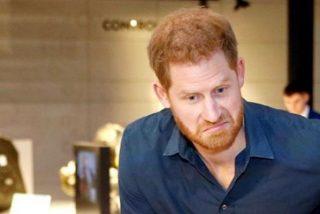 El Príncipe Harry cae en una humillante broma telefónica de dos 'youtubers' y lo confiesa todo: