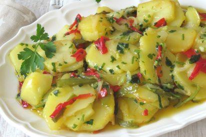 Patatas a lo pobre con cebolla y pimientos