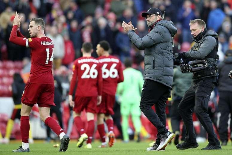 El coronavirus 'duerme el balón' en la Premier League: no habrá partidos hasta el 3 de abril