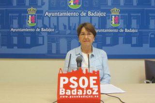 """Una """"miserable"""" concejal del PSOE se burla de los españoles que rezan por sus familiares con coronavirus"""