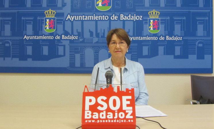 La 'miserable' concejal del PSOE se burla de los españoles que rezan por sus familiares con coronavirus