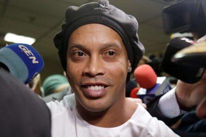 """El abogado de Ronaldinho: """"No sabía que era delito, es tonto"""""""