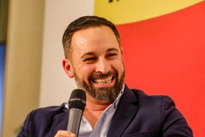 """Carlos Dávila: """"El PP se va a pegar un 'morrazo' en Cataluña... según VOX"""""""