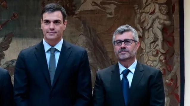 Sánchez también sacrifica a Miguel Ángel Oliver, el 'comisario censor' de los periodistas durante el confinamiento