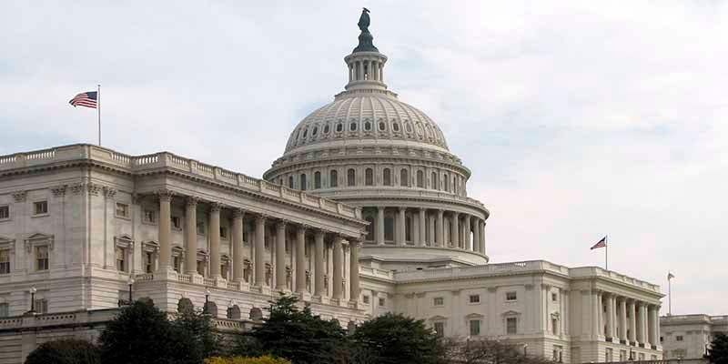 EEUU contra el coronavirus: el Senado aprueba un paquete económico de 2.2 billones de dólares, el más grande de su historia
