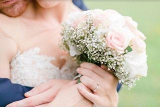 Indemnizan a una novia por venderle un vestido descosido: miles de euros y una sentencia firme